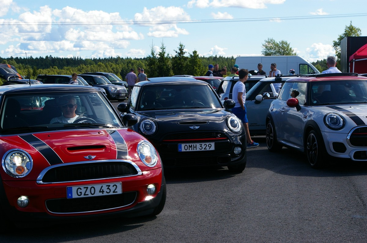 minicooper_cars_meeting